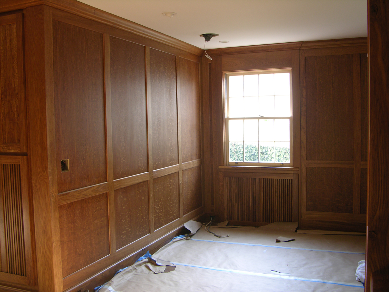 english brown oak paneled room