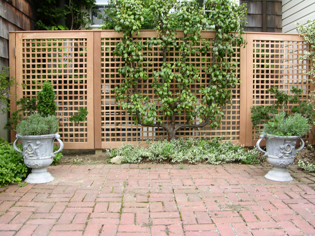 Fence gate wall designs on pinterest wrought iron fences for Lattice panel privacy screen