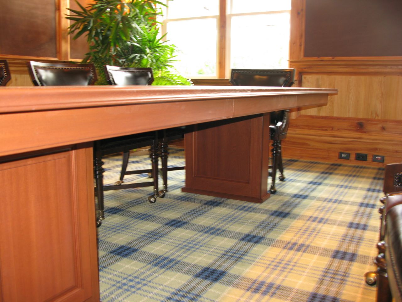 Expanding Conference Table - Expanding conference table