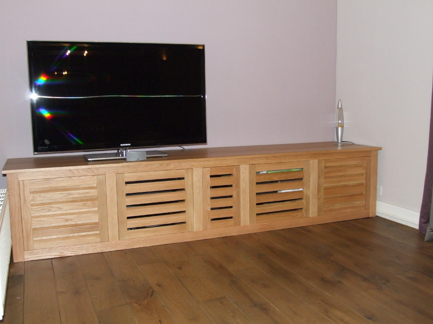 Superieur Bespoke Oak TV Cabinet With Louvered Doors