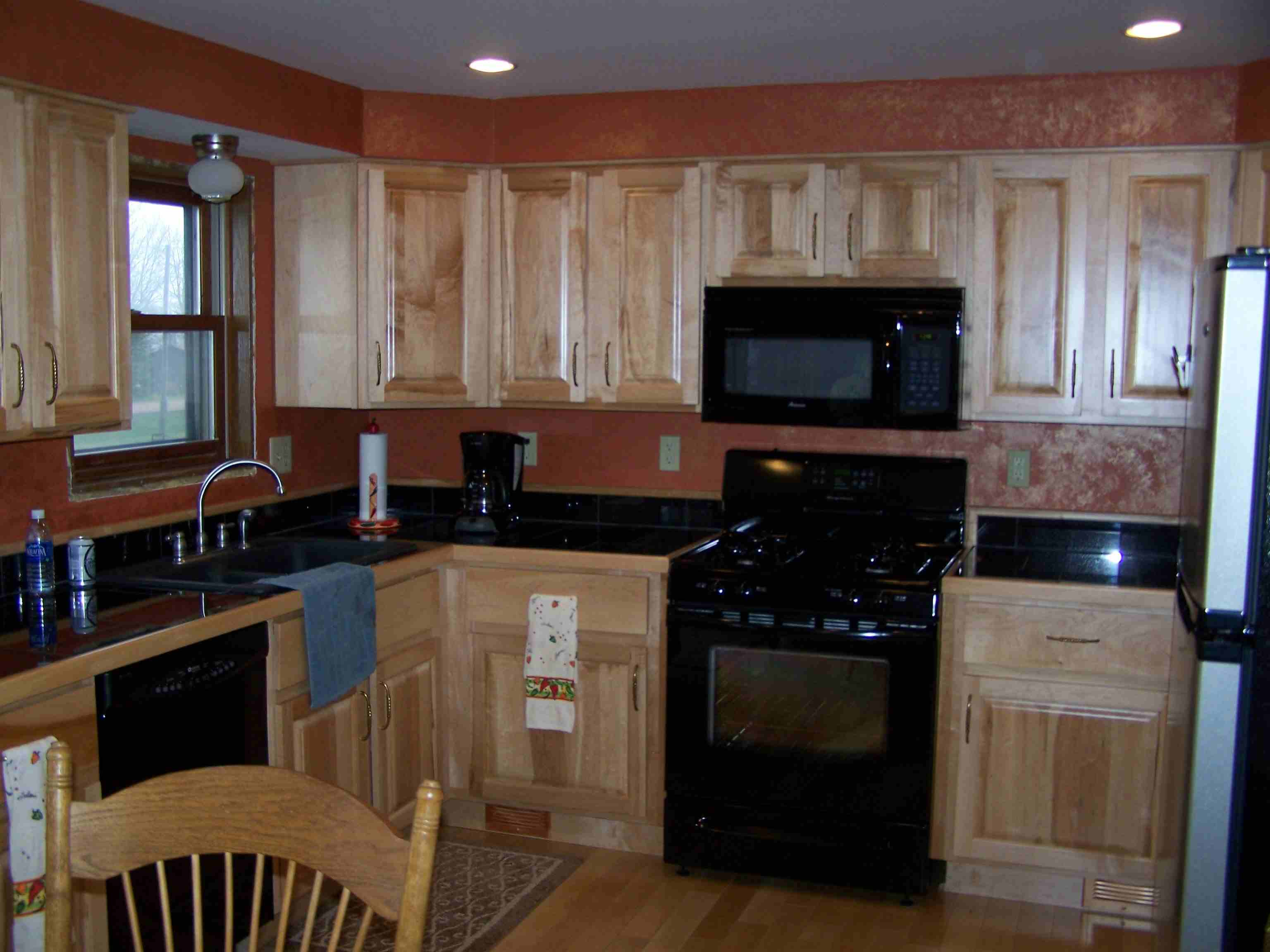 Maple Kitchen Furniture Maple Kitchen Cabinets With Granite Countertops