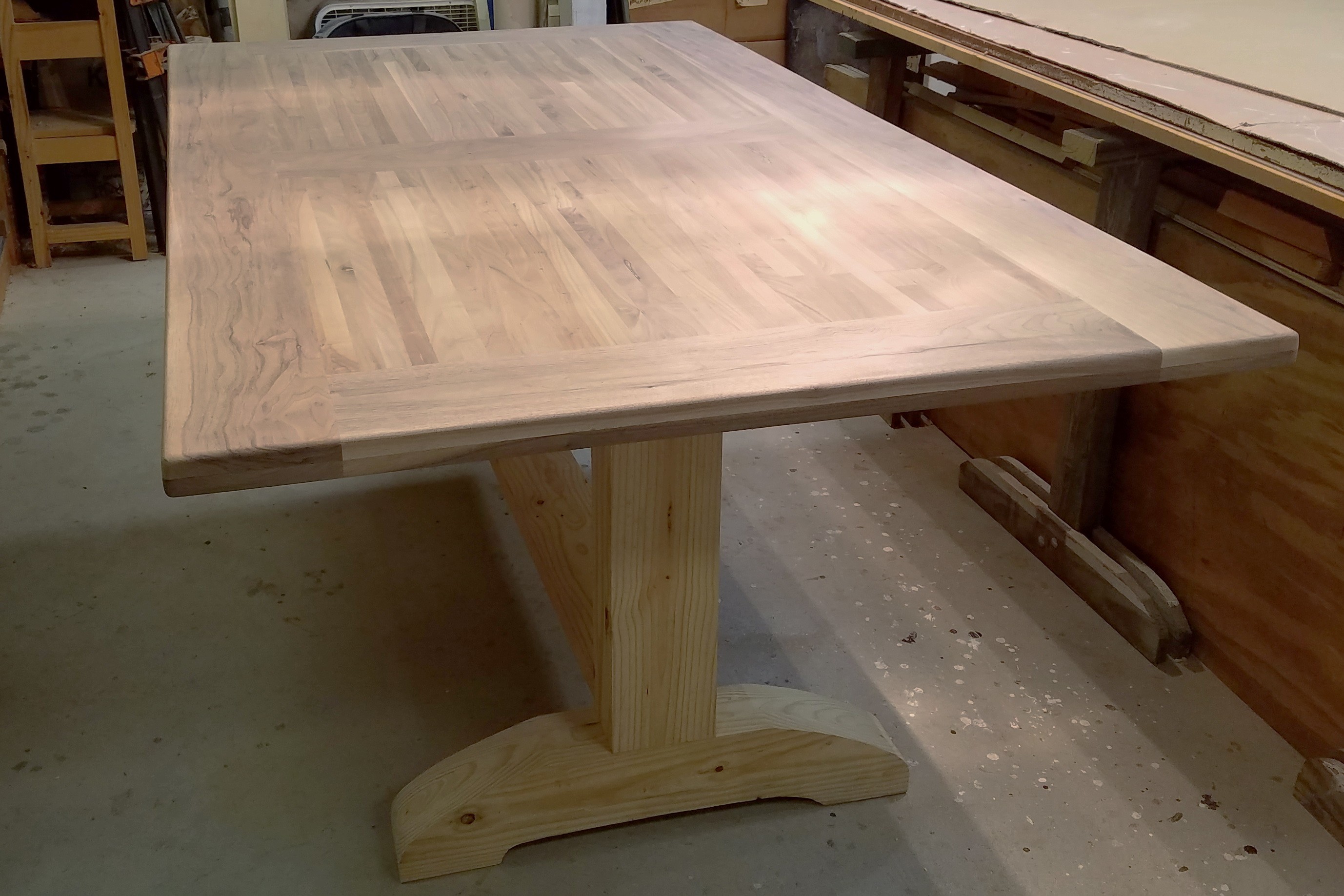 Attaching Rail\/Apron to Table Top - WOODWEB