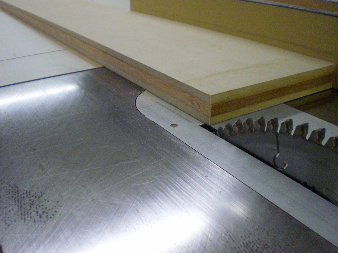 how to use a veneer saw