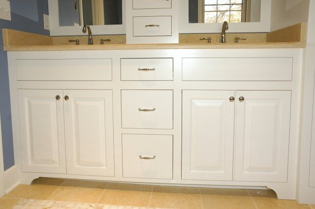 kitchen cabinets with legs or arched aprons