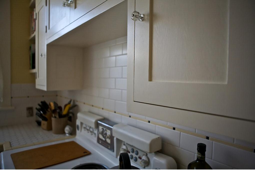 Opaque finish for a 1920 39 s look kitchen for 1920 kitchen cabinets