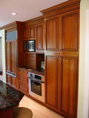 Frameless cabinets with traditional look for Building traditional kitchen cabinets by jim tolpin