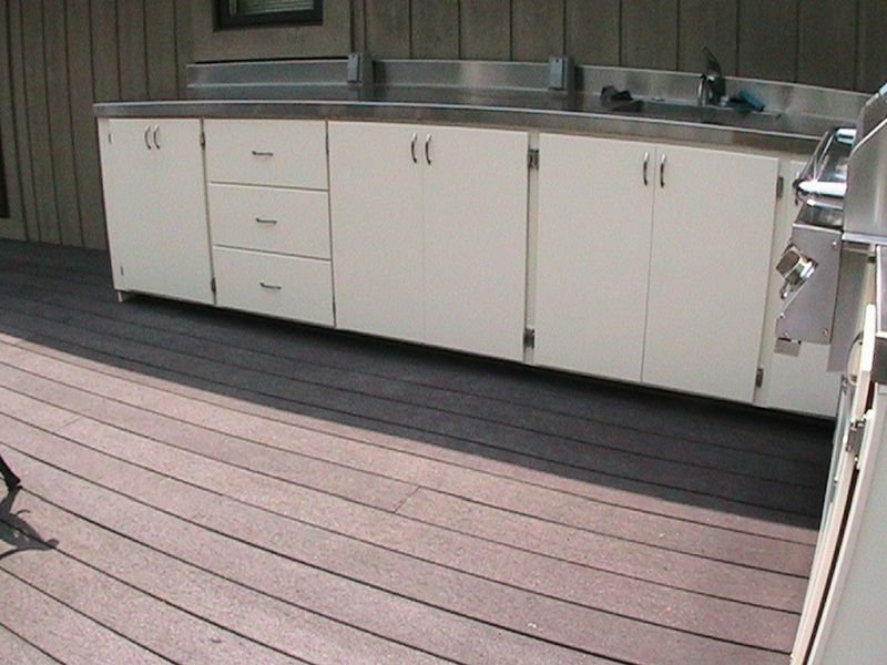 Materials for outdoor kitchen cabinets for Outdoor kitchen cabinets