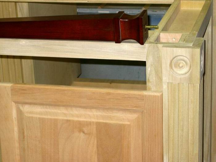 Staining and Blending Difficult Woods -- Alder, Birch, Maple