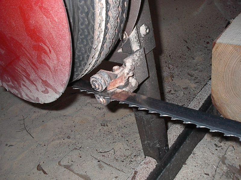 Preventing Tire Damage From Blade Breakage